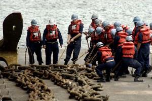 Marins préparant une biture