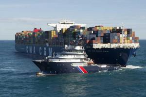 Exercice de remorquage du CMA-CGM Marco Polo